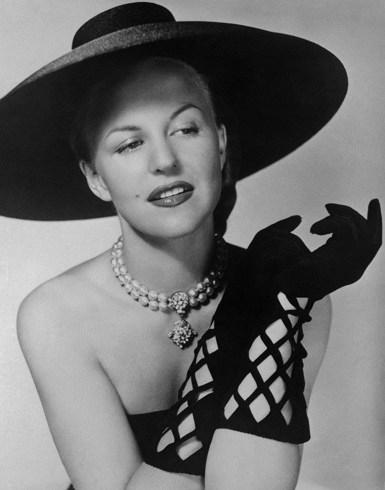 January 21, 2002 -  Peggy Lee  died of complications from diabetes and a heart attack