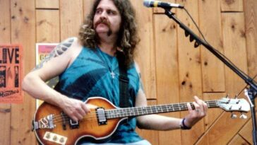 August 26, 2000 - Bassist Doug Woody was found dead